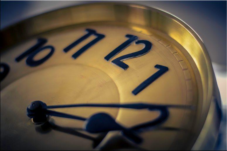 alarm-clock-analogue-blur-280253